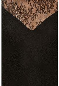 Czarna bluzka Morgan z okrągłym kołnierzem, bez rękawów, w koronkowe wzory