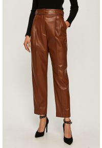 Złote spodnie materiałowe Sportmax Code z podwyższonym stanem