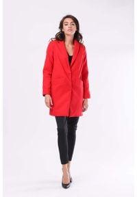 Nommo - Czerwony Przejściowy Płaszcz z Szalowym Kołnierzem. Kolor: czerwony. Materiał: wełna, wiskoza, poliester