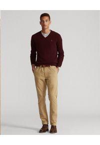 Ralph Lauren - RALPH LAUREN - Bordowy sweter z haftowanym logo. Typ kołnierza: polo. Kolor: czerwony. Materiał: wełna. Długość: długie. Wzór: haft. Styl: klasyczny