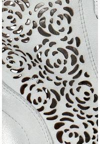 Botki Arturo Vicci z cholewką, na wiosnę, w ażurowe wzory