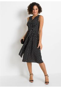 Sukienka z nadrukiem bonprix czarno-biały w kropki. Kolor: czarny. Wzór: kropki, nadruk