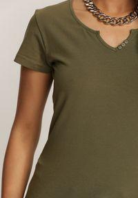 Renee - Ciemnozielony T-shirt Auranna. Okazja: na co dzień. Kolor: zielony. Materiał: bawełna, dzianina, materiał. Długość rękawa: krótki rękaw. Długość: krótkie. Styl: klasyczny, casual