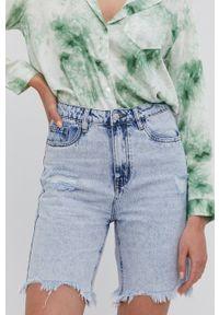 Answear Lab - Szorty jeansowe. Okazja: na co dzień. Kolor: niebieski. Materiał: jeans. Styl: wakacyjny