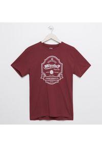 Czerwony t-shirt Sinsay z nadrukiem