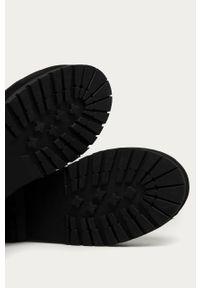 Czarne botki Answear Lab z cholewką, na sznurówki