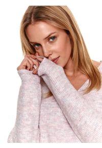 Fioletowy sweter TOP SECRET z dekoltem w serek