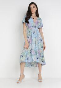 Born2be - Jasnoniebieska Sukienka Isirynore. Kolor: niebieski
