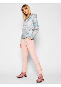 Różowe spodnie dresowe columbia