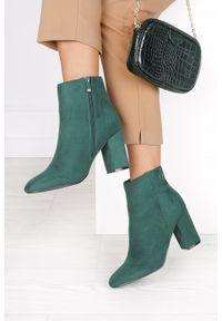 Casu - Zielone botki na słupku casu d201x2/gn. Kolor: zielony. Obcas: na słupku