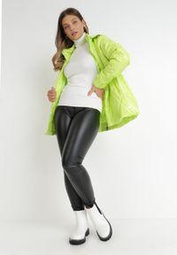 Born2be - Jasnozielona Kurtka Lizei. Kolekcja: plus size. Kolor: zielony. Materiał: tkanina, jeans. Wzór: aplikacja