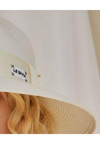 LESHKA - Biały kapelusz z szerokim rondem Straw Veil. Kolor: biały. Wzór: aplikacja