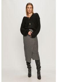 Czarny sweter rozpinany Noisy may z długim rękawem, długi
