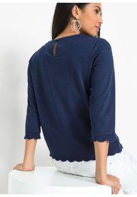 Shirt bonprix ciemnoniebieski. Typ kołnierza: dekolt w serek. Kolor: niebieski