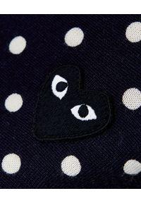 COMME DES GARCONS PLAY - Kardigan w kropki z czarnym sercem. Kolor: niebieski. Materiał: wełna, jeans. Wzór: kropki. Styl: klasyczny
