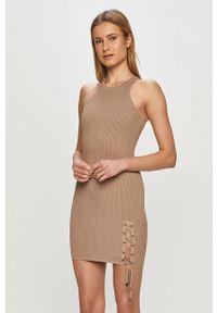 Sukienka Guess dopasowana, mini, na co dzień, bez rękawów