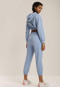 Renee - Niebieski Komplet Dresowy Dwuczęściowy Raerene. Kolor: niebieski. Materiał: dresówka