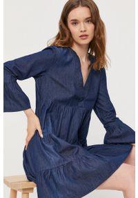 Jacqueline de Yong - Sukienka jeansowa. Kolor: niebieski. Materiał: jeans. Typ sukienki: rozkloszowane