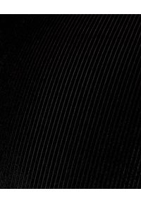 CUORI e PICCHE - Czarne kolarki w prążki. Stan: podwyższony. Kolor: czarny. Materiał: prążkowany, sztruks. Wzór: prążki. Styl: elegancki, klasyczny, sportowy