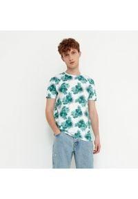 House - Koszulka z roślinnym nadrukiem - Biały. Kolor: biały. Wzór: nadruk
