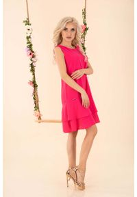 Różowa sukienka wizytowa Merribel z falbankami, bez rękawów