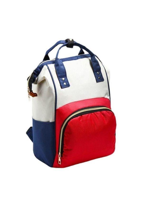 Czerwona torba podróżna