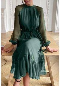 Zielona długa sukienka IVET z falbankami, elegancka