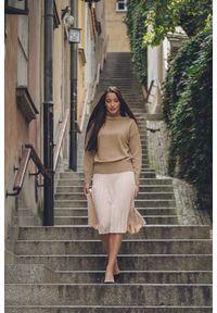 VEVA - Spódnica plisowana Charming Pleats beżowa. Kolor: beżowy. Długość: długie. Styl: sportowy, klasyczny, elegancki