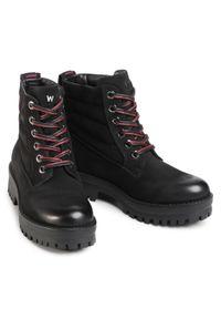 Czarne buty trekkingowe Wrangler z aplikacjami, z cholewką