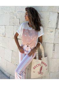 ONETEASPOON - EDYCJA LIMITOWANA OneTeaspoon x Moliera 2 - Spodnie w pasy Awesome Baggies. Stan: podwyższony. Kolor: biały. Materiał: bawełna. Wzór: aplikacja #4