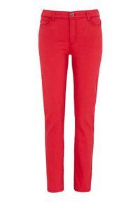 Czerwone spodnie Cellbes krótkie