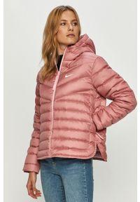 Różowa kurtka Nike Sportswear z kapturem, casualowa, na co dzień