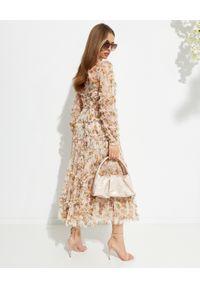 NEEDLE & THREAD - Sukienka midi Garland Flora. Kolor: różowy, wielokolorowy, fioletowy. Materiał: szyfon, materiał. Wzór: kwiaty, nadruk. Długość: midi