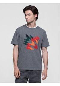 Vistula T-Shirt Witrock XA0286 Szary Regular Fit. Kolor: szary
