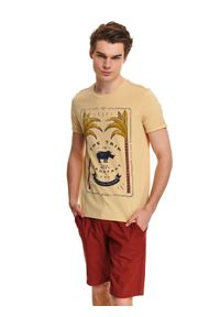 TOP SECRET - T-shirt z nadrukiem. Okazja: na co dzień. Kolor: żółty. Materiał: bawełna. Wzór: nadruk. Sezon: lato. Styl: elegancki, casual, klasyczny