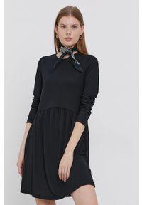 Jacqueline de Yong - Sukienka. Okazja: na co dzień. Kolor: czarny. Materiał: dzianina. Długość rękawa: długi rękaw. Wzór: gładki. Typ sukienki: proste. Styl: casual