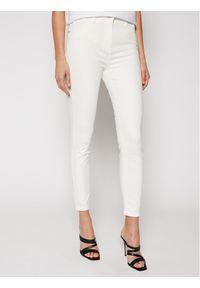 Elisabetta Franchi Jeansy PJ-81S-11E2-V240 Biały Slim Fit. Kolor: biały. Materiał: jeans