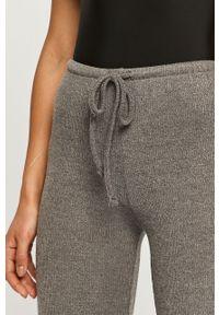 Szare spodnie dresowe Haily's