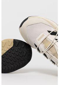 adidas Performance - Buty TERREX VOYAGER 21. Nosek buta: okrągły. Zapięcie: sznurówki. Kolor: beżowy. Materiał: guma