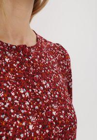 Born2be - Bordowa Sukienka Doroinne. Kolor: czerwony. Materiał: zamsz. Długość rękawa: długi rękaw. Wzór: kwiaty, aplikacja, nadruk. Styl: klasyczny. Długość: maxi