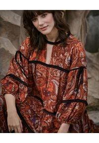 BY CABO - Sukienka JANICE. Kolor: czarny. Materiał: wiskoza, bawełna. Wzór: paisley, nadruk. Styl: boho