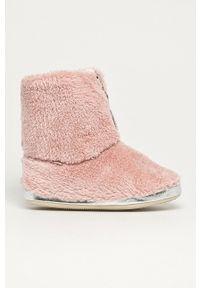 Flip*Flop - Kapcie Yeti II. Nosek buta: okrągły. Kolor: różowy. Materiał: guma