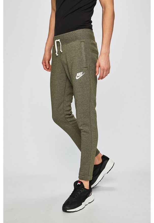Oliwkowe spodnie dresowe Nike