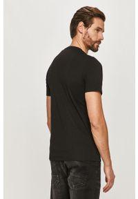 Czarny t-shirt Guess z aplikacjami
