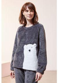 Etam - Bluza piżamowa OXFORD. Okazja: na co dzień. Kolor: szary. Materiał: dzianina. Długość rękawa: długi rękaw. Długość: długie. Wzór: aplikacja. Styl: casual