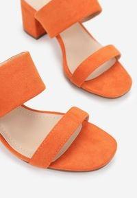 Born2be - Pomarańczowe Klapki Oriphithoe. Kolor: pomarańczowy