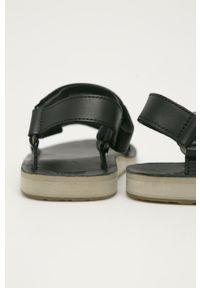 Czarne sandały Teva gładkie, na niskim obcasie, na obcasie, na rzepy