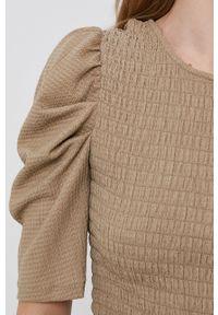 Jacqueline de Yong - Bluzka. Kolor: szary. Materiał: dzianina. Długość rękawa: krótki rękaw. Długość: krótkie