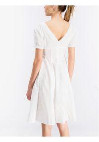 iBlues Sukienka codzienna Norme 72211292 Biały Regular Fit. Okazja: na co dzień. Kolor: biały. Typ sukienki: proste. Styl: casual #2