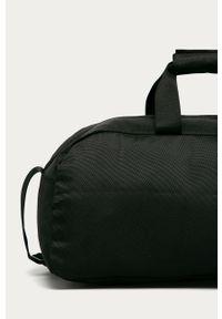 Czarna torba podróżna Calvin Klein Performance z nadrukiem
